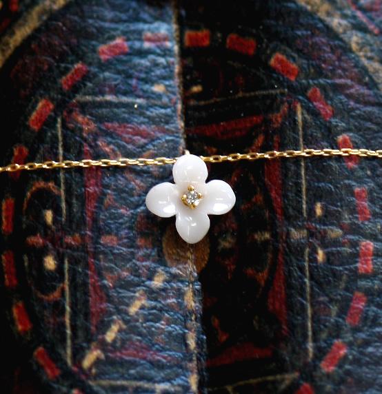 ビオラネックレス(白珊瑚)◆白珊瑚 サンゴ ダイヤモンド K10 10K 10金 プレゼント スミレ Viola 花【05P30May15】