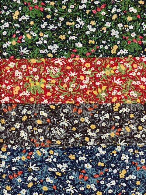 LIBERTYタナローン生地コットン100%サイズ:30cm×26cm4枚セット LIBERTYリバティプリント2020年クリスマス柄Strawberry Patch Sparkle(ストロベリー・パッチ・スパークル)カットクロス4枚セットDC31037