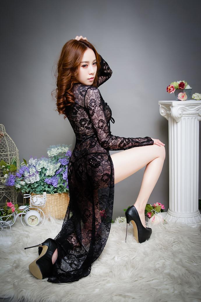 Sexy Mature Woman Dance