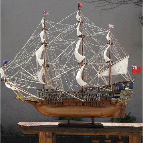 全国どこでも送料無料 格安店 木製帆船模型サイズ:107 110 34 長さ 高さ 青 ソブリン.オブ.ザ.シーズ号 Mサイズ 帆船模型 幅
