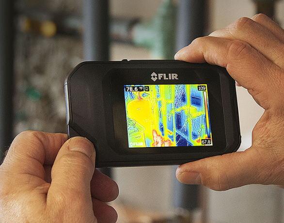 FLIR(フリアーシステムズ) WiFi機能付きコンパクト赤外線サーモグラフィカメラ FLIR C3