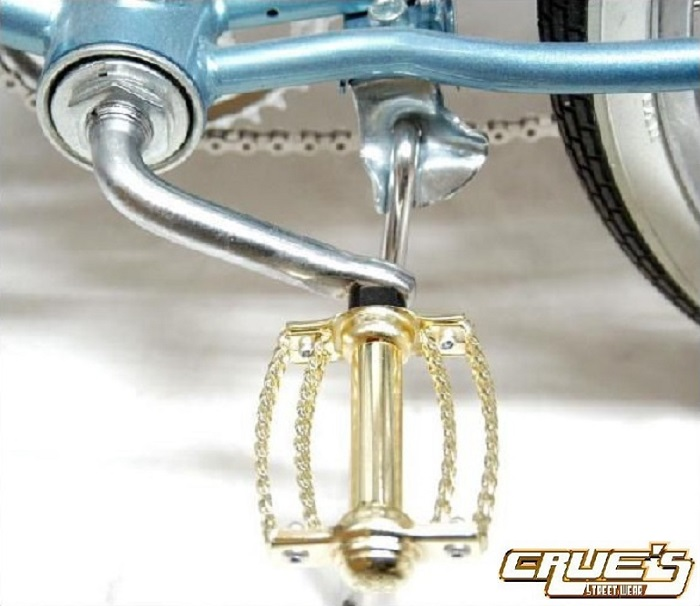 送料無料 自転車 パーツ ダブル ツイストペダル ゴールド ペダル ローライダー ビーチクルーザー アクセサリー 自転車部品 カスタム 部品 改造 BMX MTB ママチャリ サイクルパーツ ローライダー自転車 エレクトラ レインボー コンプトン