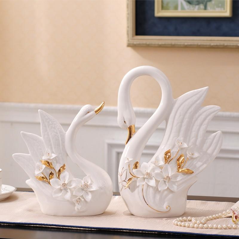 置物 白鳥のつがい ヨーロッパ風 立体的なフラワー 陶磁器製 2個セット (ホワイト)