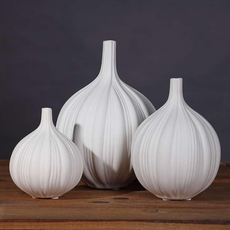 フラワーベース 一輪挿し たまねぎの形 陶器製 ホワイト (大中小3個セット)