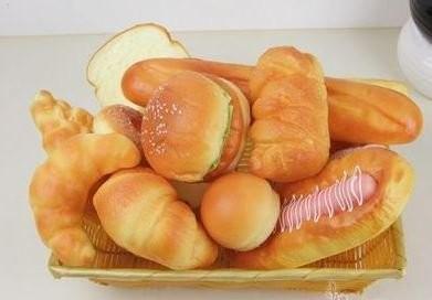 食品サンプル パン 12個 カゴ入り