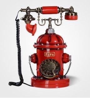 置物 電話機 電話器 ビンテージ風 外国の赤い消火器 消火栓 ダイヤル式