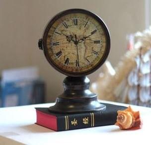 置時計 ヨーロピアンアンティーク調 地図 ローマ数字 両面時計
