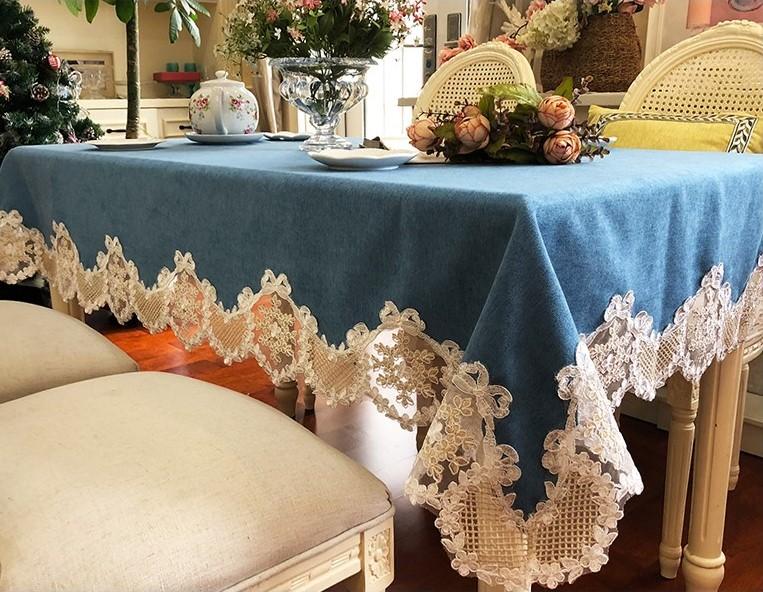 テーブルクロス ゴージャス 大きめレースの縁取り ヨーロピアン風 ブルー系 (長方形A 130×180cm)