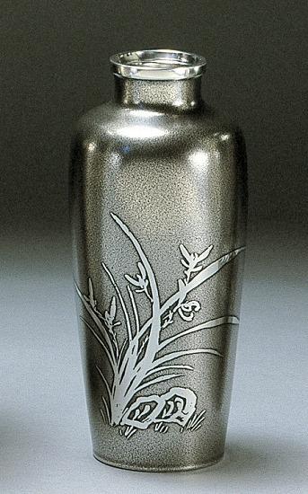 大阪錫器 花瓶 イブシ 6.5菖蒲形