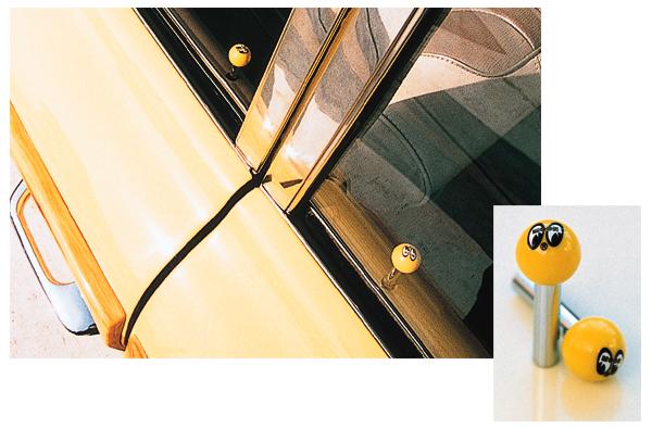 純正のドアロックノブを外して交換するだけ お手軽カスタム カーアクセサリー カスタム 車 本店 ワンポイント 予約販売品 ノブ ドアロック アイボール ムーンアイズ Eyeball MOONEYES