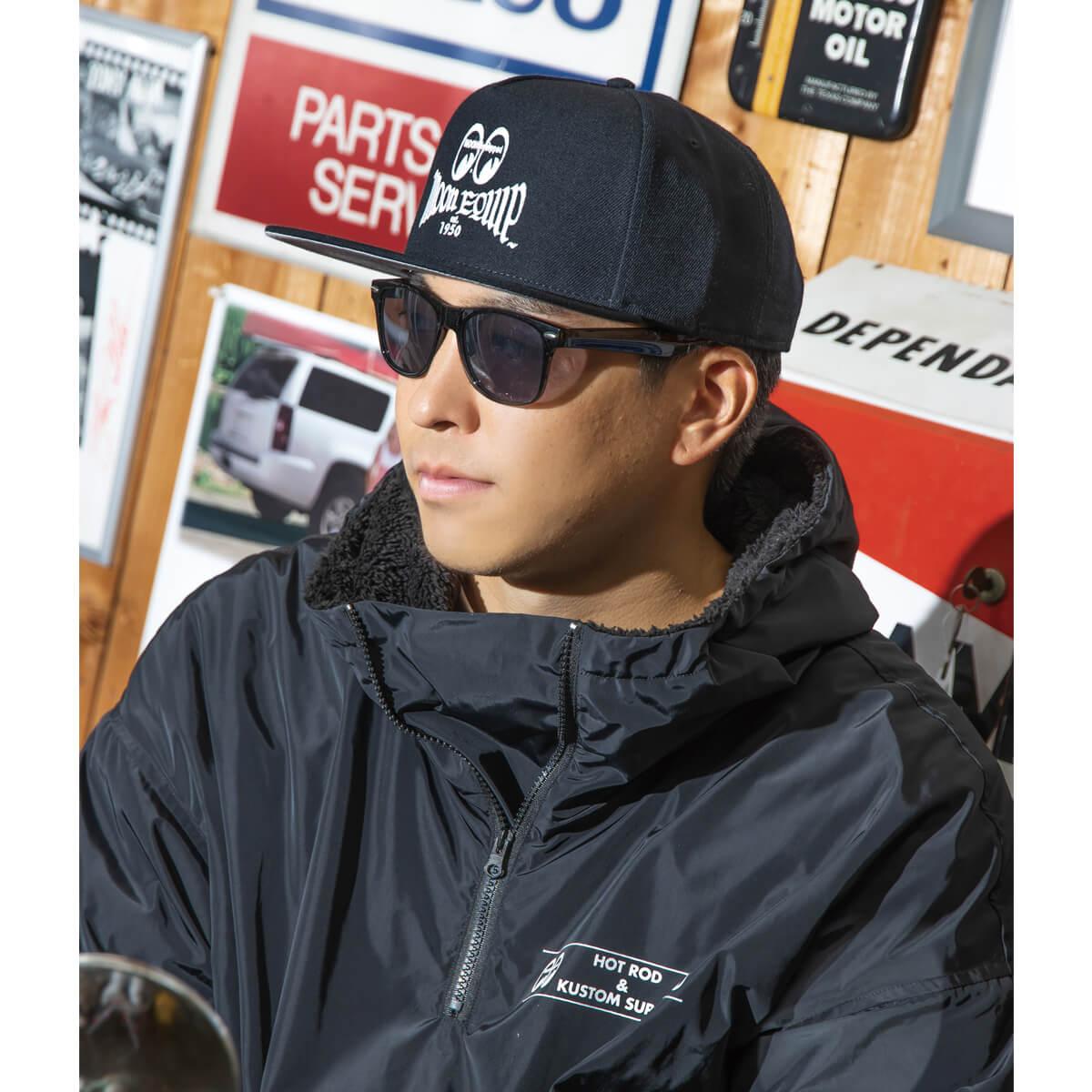 ムーンアイズ フラットバイザー メンズ レディース カジュアル キャップ 帽子 代引き不可 レッド ブラック Equipped プレゼント バイザー 5 ロゴ 刺繍 パネル フラット MOON ホワイト