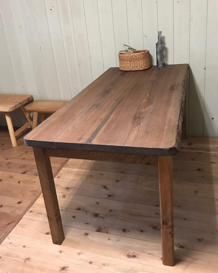 天然木で優しく暮らそう♪なんと!一枚板を使用し大工さんが作ってくれました。世界でたった一つのテーブルです!★セミオーダーOK! テーブル ダイニングテーブル 木製 カフェ 無垢 150cm  一枚板 2~3枚接ぎ 天然木 アンティーク風 テーブル