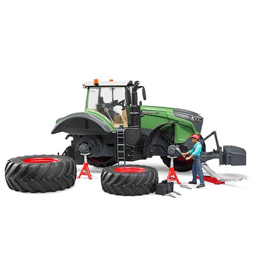 車のおもちゃ BRUDER ブルーダー Fendt1050 Varioトラクター(整備士フィギュア付き)04041