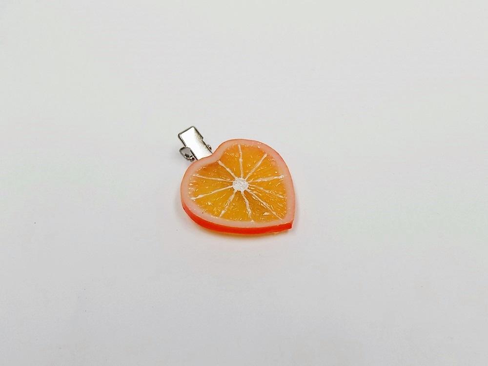 食品サンプル 国産品 信頼 ヘアクリップ ハート型 オレンジスライス ハート ハート型の本物そっくりのオレンジ おしゃれな女性にはピッタリなヘアクリップです