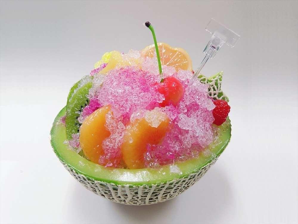 食品サンプル カード立て オープニング 大放出セール かき氷 大 イチゴソース メロン 直営ストア