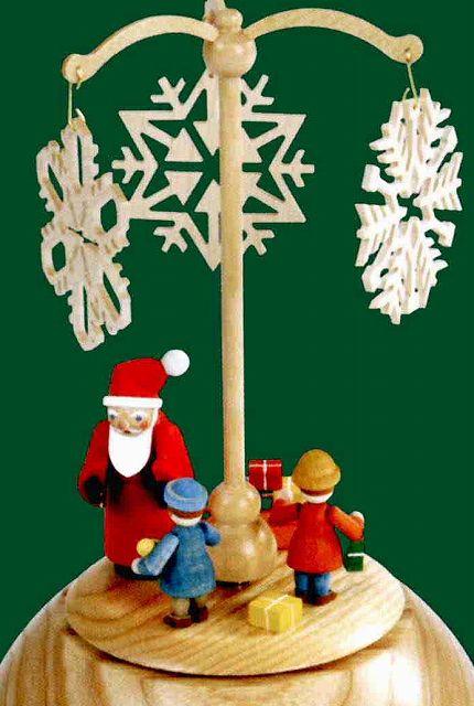 ドイツ エルツ山地の手作り 木のオルゴール サンタと雪の結晶 ドイツ製 08452 [送料無料]