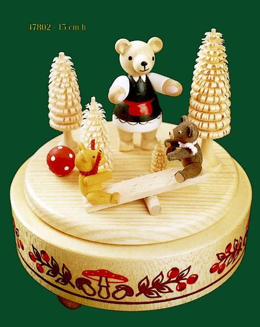 ドイツ エルツ山地の手作り 木のオルゴール クマさん家族のシーソー ドイツ製 47802 [送料無料]