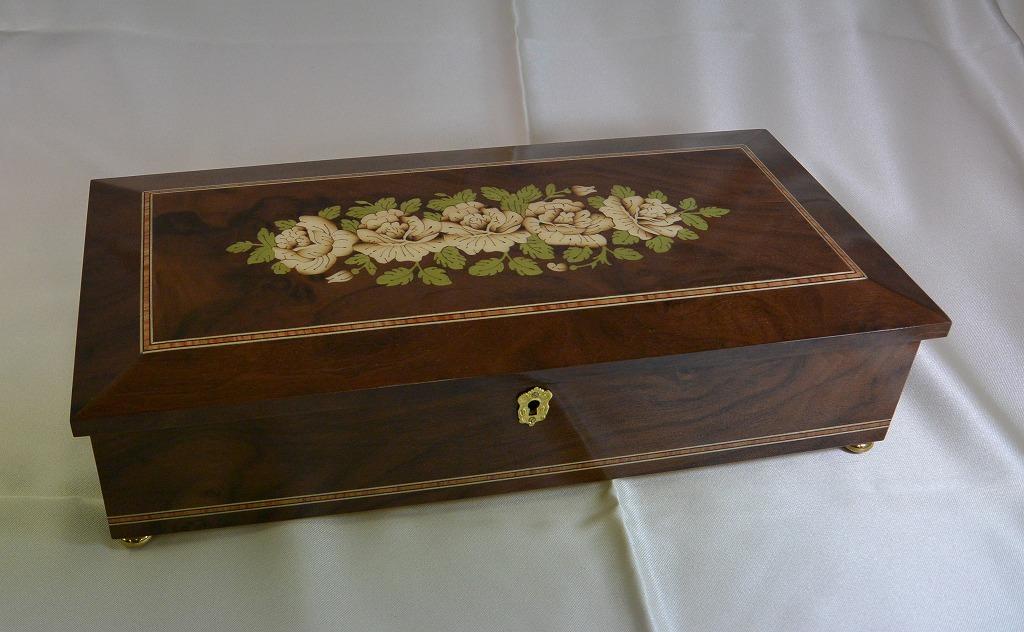 リュージュ・ミュージック社(スイス)22弁1曲入りオルゴール宝石箱 白い薔薇の象嵌 R2430-000[送料無料]
