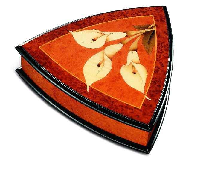 リュージュ 36弁オルゴール付き三角形宝石箱 マドロナとバボナのこぶ材