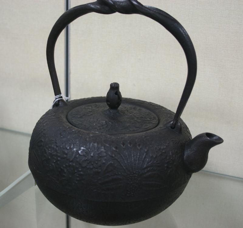 鉄鉢形桜(ひねり鉉)1.6リットル