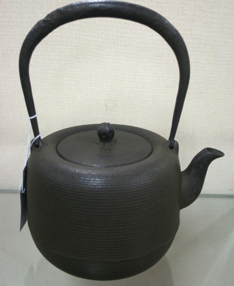 鉄瓶「棗型糸目」1.8L