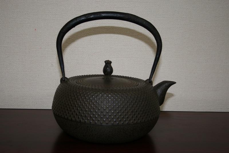 鉄瓶 平鉄鉢型 中霰 1.4リットル