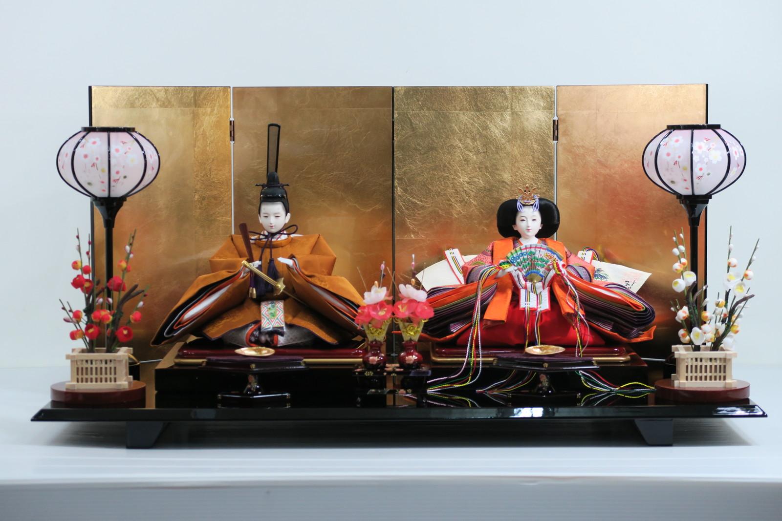 安藤桂甫作 京雛十番黄櫨染衣裳親王飾り (四曲金屏風平飾り)