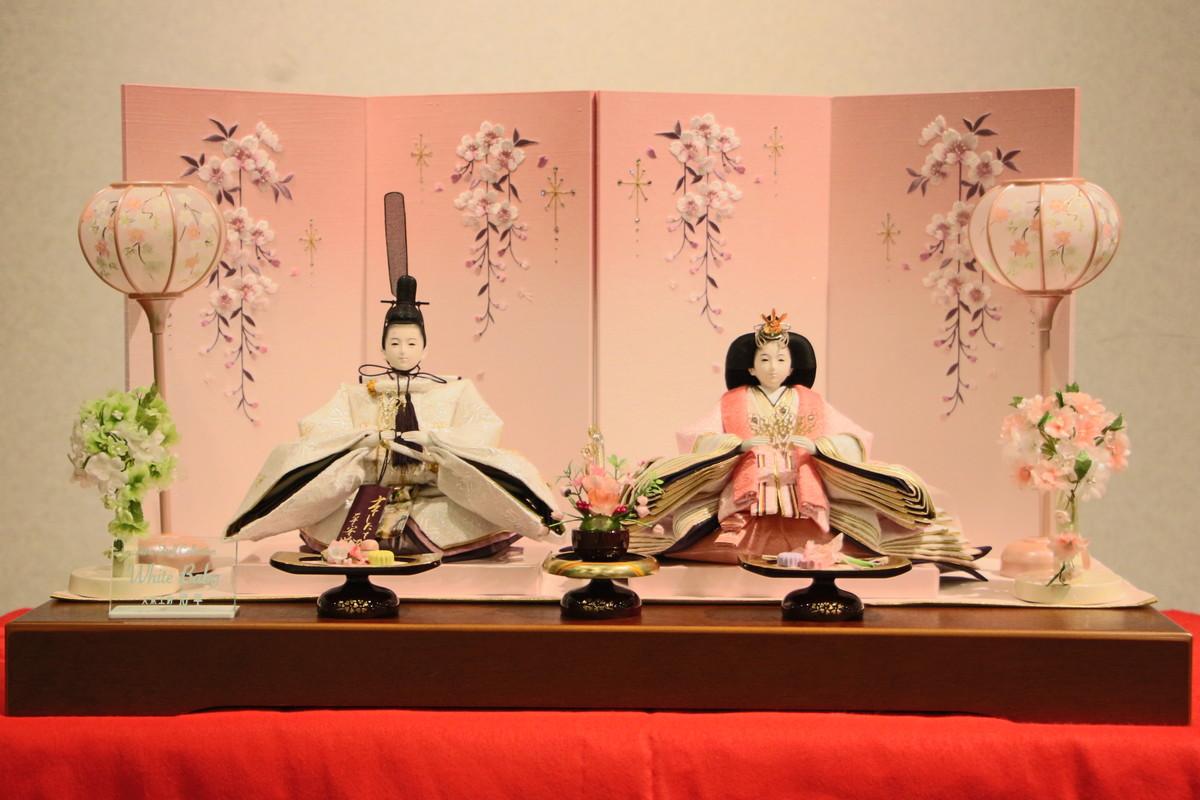 三五本刺繍舞親王しだれ桜刺繍屏風セット 【雛人形親王飾り】