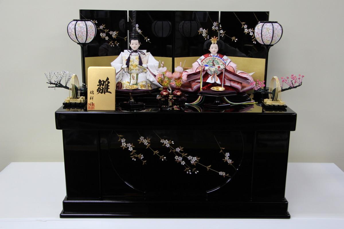 桜 黒塗収納箱 親王飾り 【雛人形親王飾り】 収納タイプ 三五 桜 刺繍