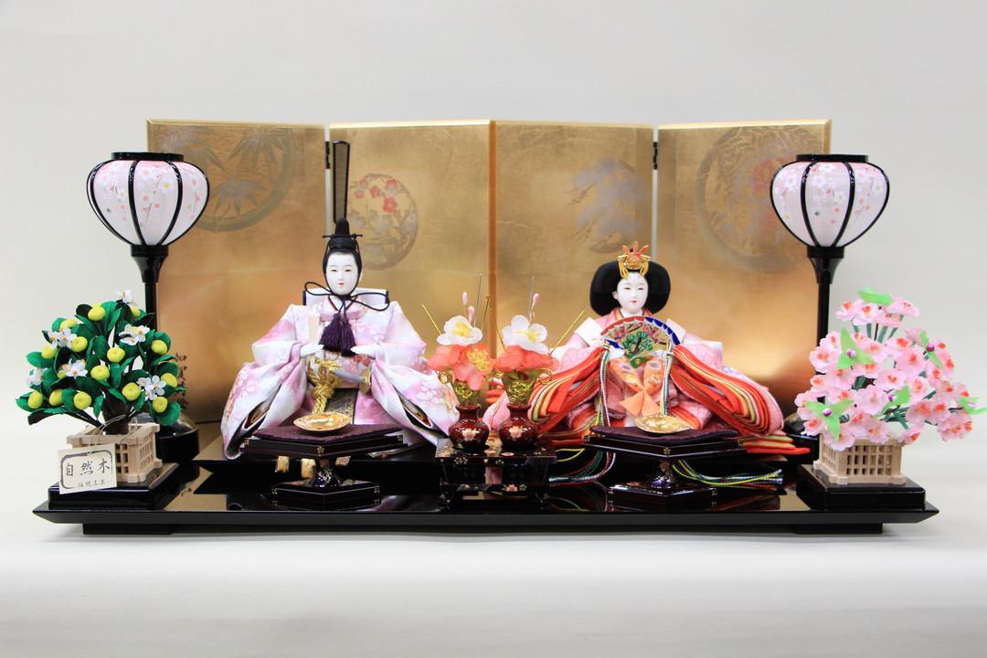 雛人形 おしゃれ コンパク 親王飾り 三五親王刺繍(白薄紫・白薄紫)26-60 間口60cm 金屏風木目台セット