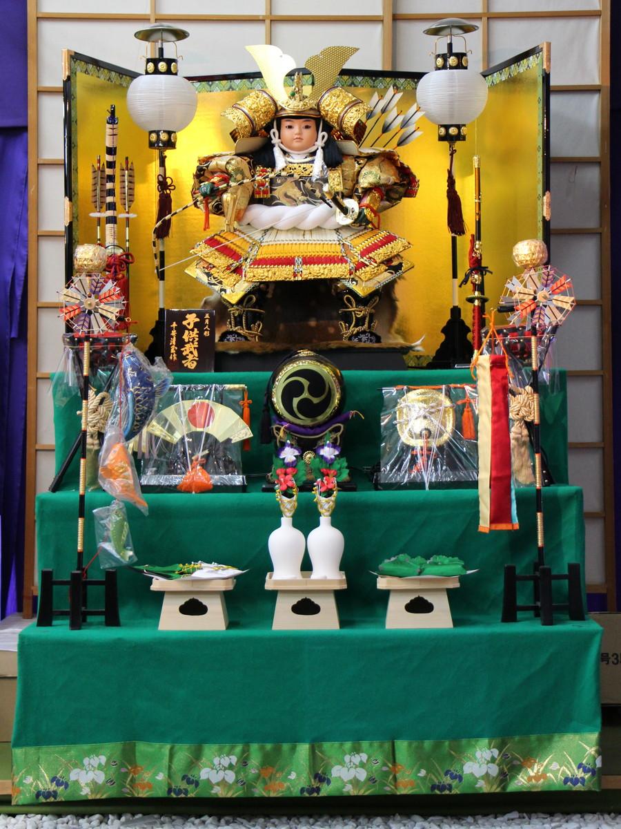 五月人形三段飾り 105子供大将赤黄白 【武者人形】