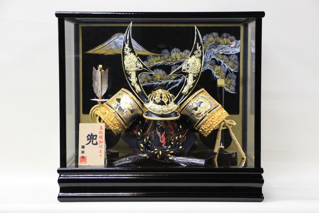 五月人形 コンパク おしゃれ ケース飾り 兜 かぶと ガラスケース飾り 螺鈿細工(富士松)