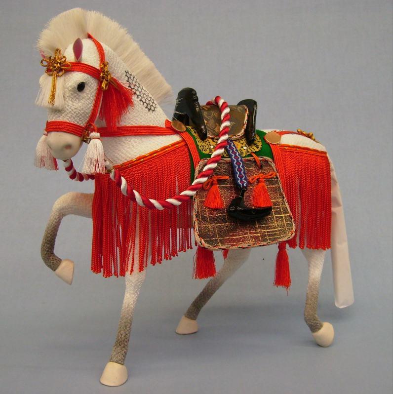 15号ちりめん飾り馬朱色(箱入り)