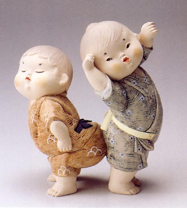 尻ずもう【博多人形】