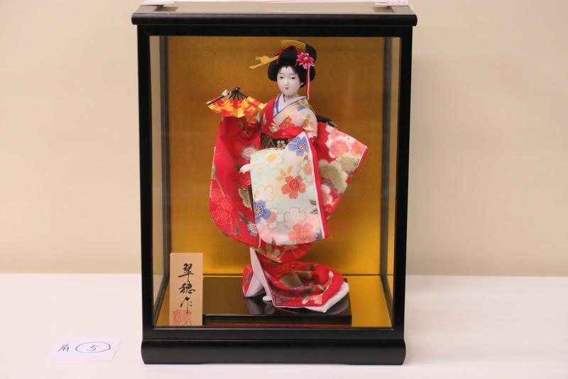 6号 日本人形 友禅片脱 千種 扇 黒鍬ケース入り 日本製