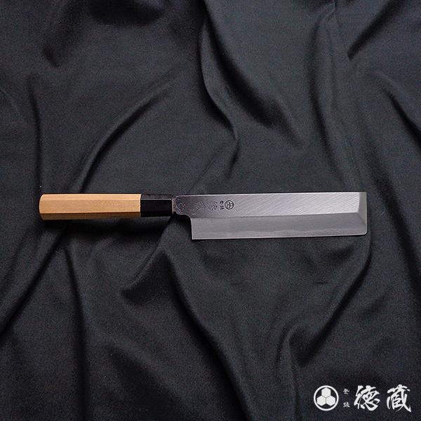 完全手造り包丁の切れ味を体感すると普通の包丁には戻れません 上白鋼 薄刃包丁 イチイ八角柄 195mm 片刃 日本製 徳蔵刃物 TOKUZO KNIVES JAPAN Kitchen Knives 包丁 ほうちょう 右利き 薄刃 鋼 はがね プレゼント ハガネ 新作アイテム毎日更新 切れ味 ギフト 野菜 メイルオーダー ホウチョウ 一生モノ プロ 贈り物