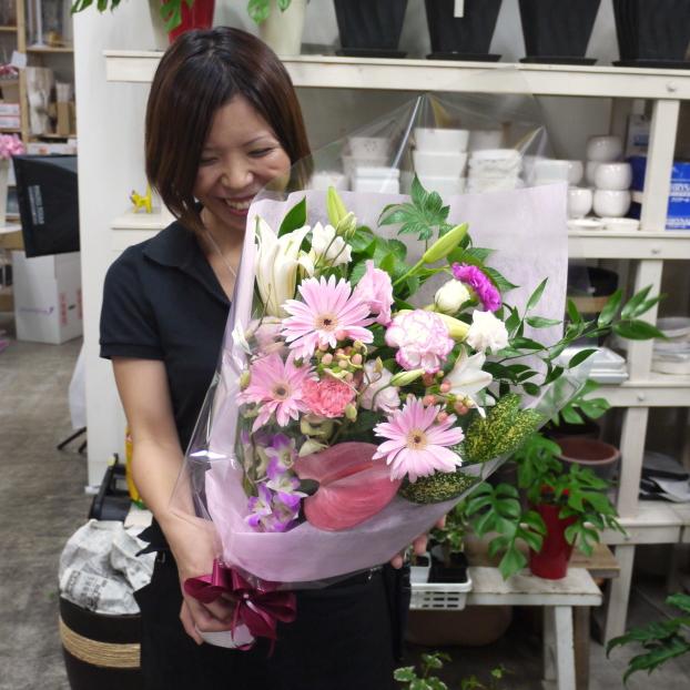 スマイルブーケ♪笑顔が溢れる花束です。【誕生日・お祝い】【ご出演・発表会】【ご退職・歓送迎会】【あす楽対応で即日発送】