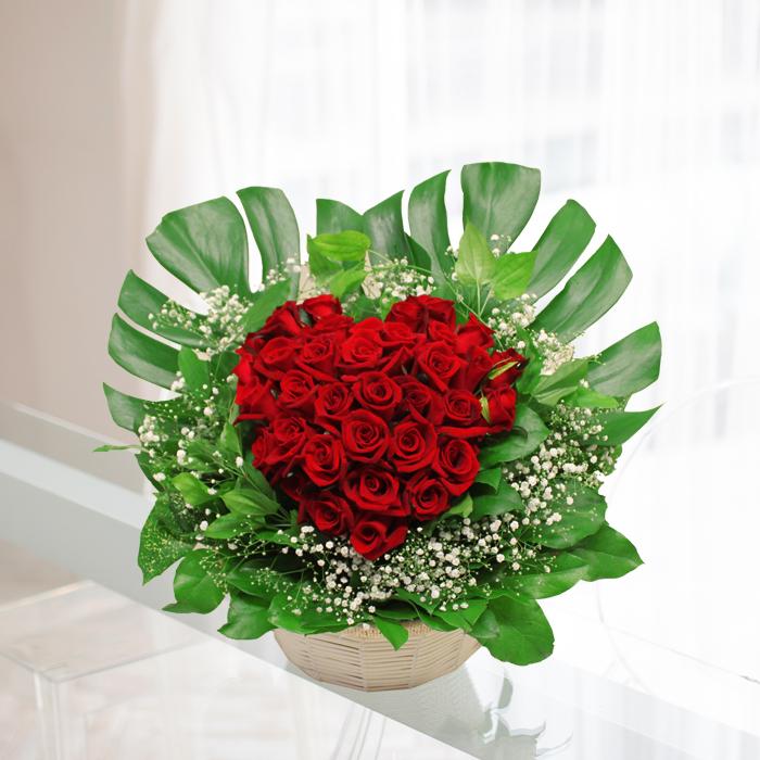 【ハートローズ】ハートの形のバラアレンジメント。お誕生日や、還暦祝い、結婚記念日、プロポーズ、開店祝い、開業祝いなどに♪