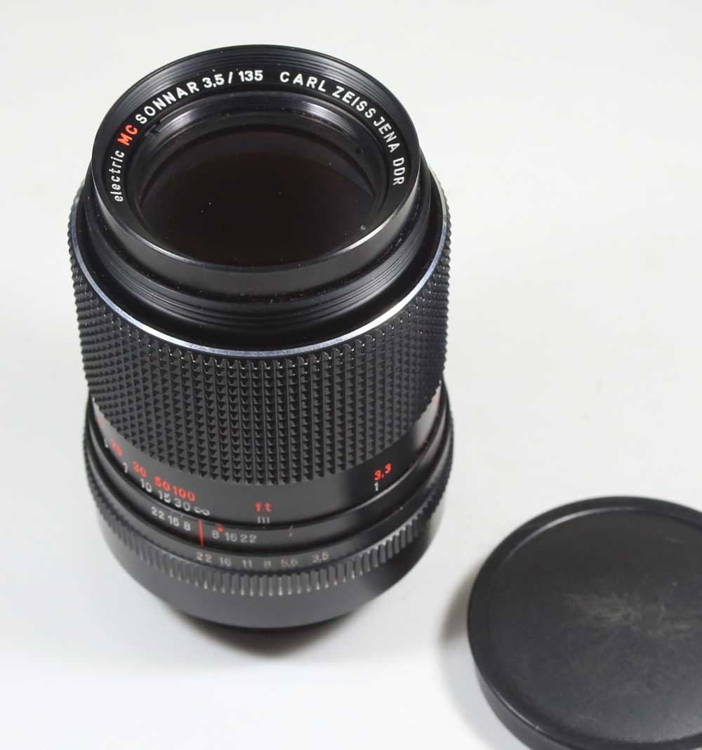 Lens Carl Zeiss-Jena electric made in Germany MC Sonnar MC 3.5 / 135 M42 for Carl Zeiss Jena DDR electric MC Sonnar 1:03, 5 f = 135 for M42