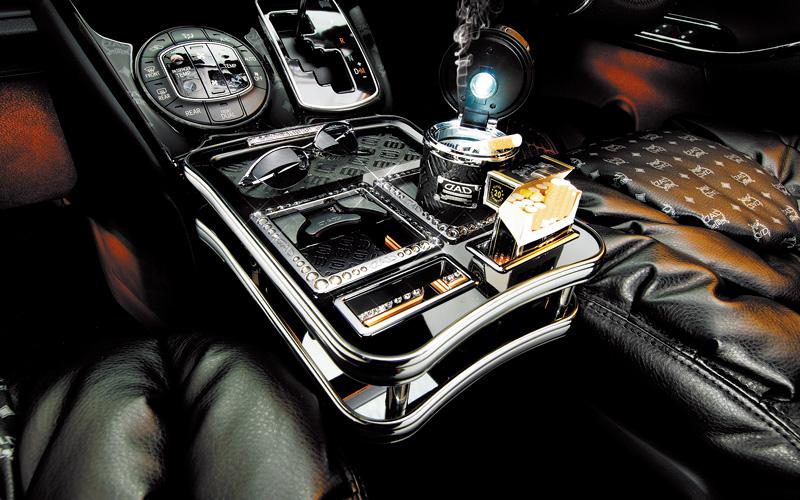 """【代引き不可】 ギャルソン D.A.D フロントセンターテーブル(ディルスパターン) ノア/ヴォクシー (ZRR8#) """"完全受注生産モデル"""""""