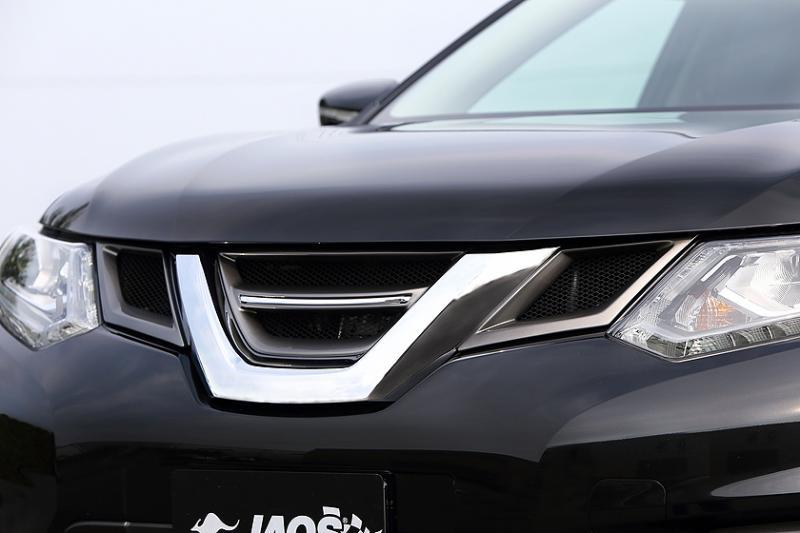 JAOS フロントグリル エクストレイル 32系 【B060444】 13.12- アラウンドビューモニター無車 FRP製フレーム(未塗装 白ゲルコート)