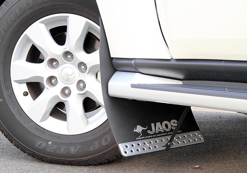 JAOS ジャオス マッドガード3 フロントセット 〔B622327F〕 ブラック パジェロ V80/90系