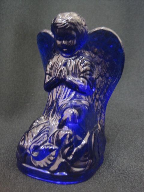 【USアートグラス】 大き目の、青の天使のフィギュア