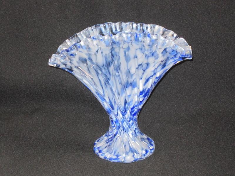 フェントン  Vasa Murrhinaの扇形花瓶