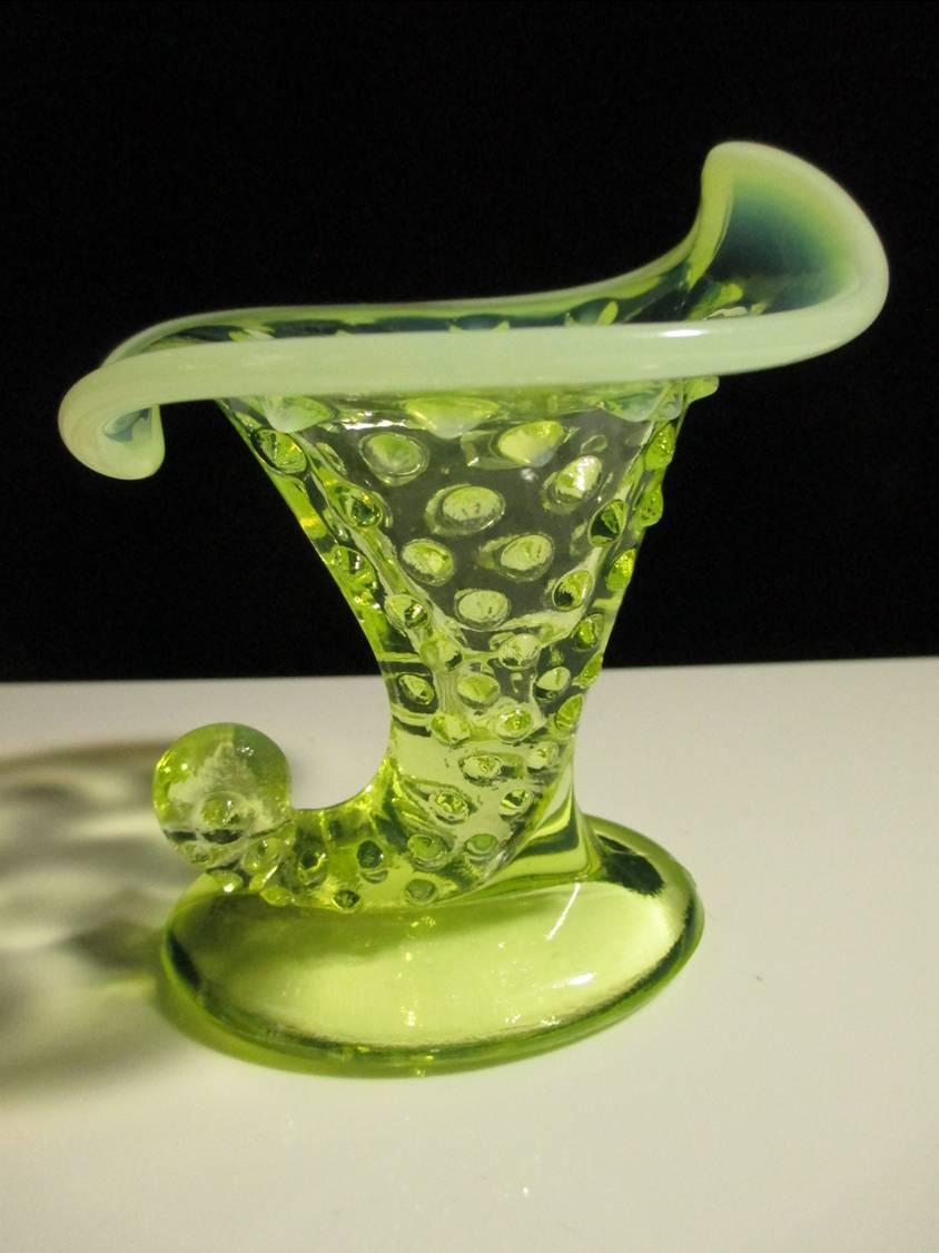 【アンティーク】フェントン トパーズ・オパールセント・ホブネイルの花瓶 【ウランガラス】