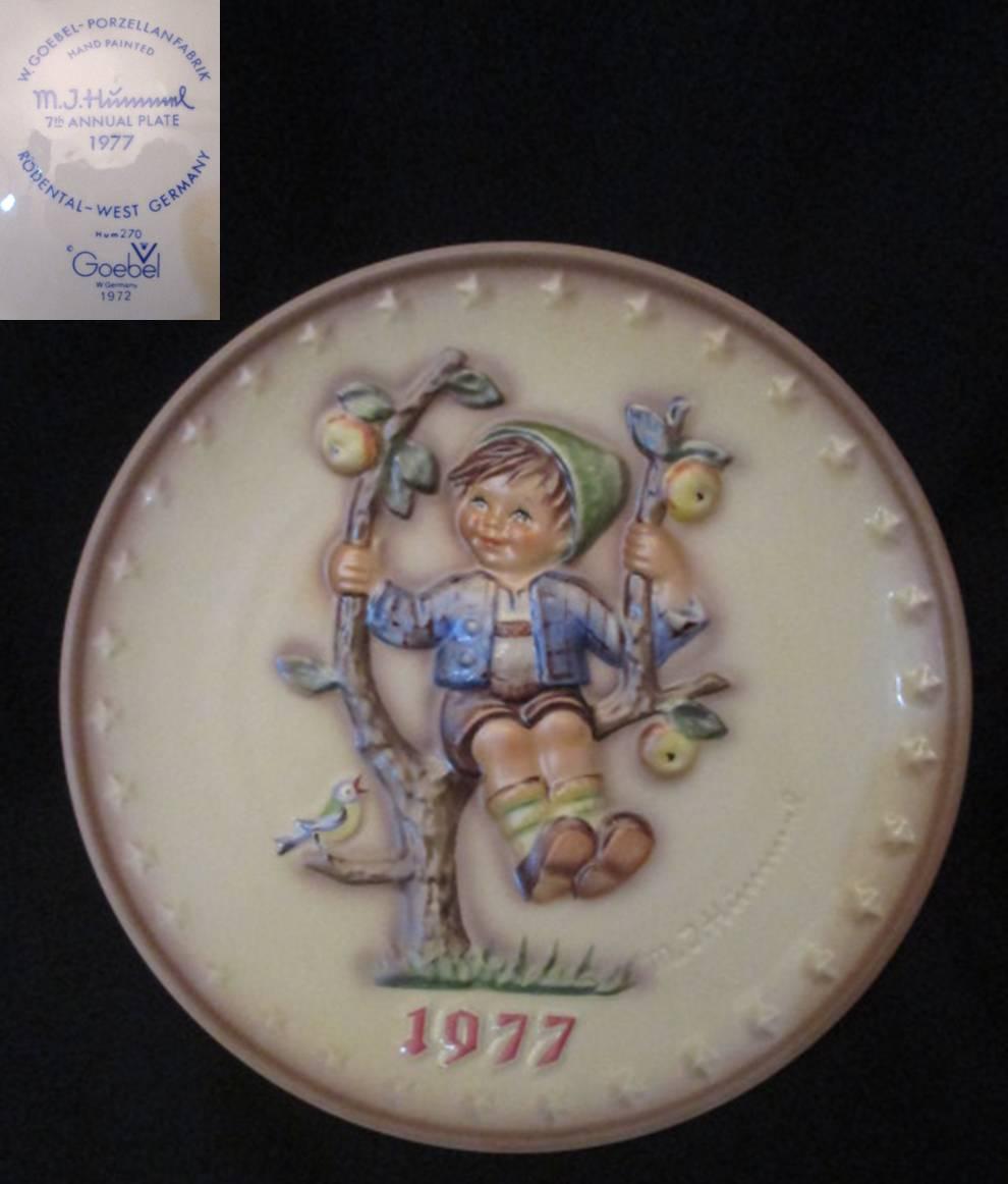 【Hummel】 フンメルのイヤープレート 1977 Apple Tree Boy 【箱あり】