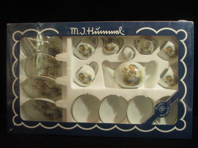 【Hummel】 フンメルのミニチュア・ティーセット