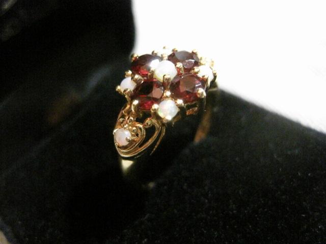 【アンティーク】 オパールとガーネットの18K指輪