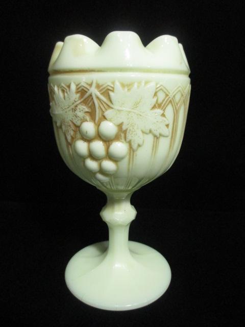【アンティーク ウランガラス】 カスタードガラスの花瓶