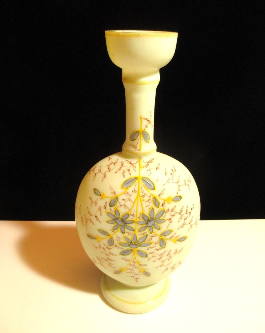 【英国 ヴィクトリアン・アンティーク ウランガラス】 背の高い一輪挿しの花瓶